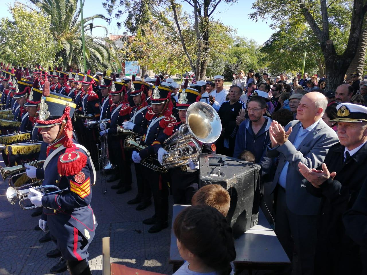 Una multitud se acercó a Plaza Belgrano para ver la Fanfarria del Alto Perú