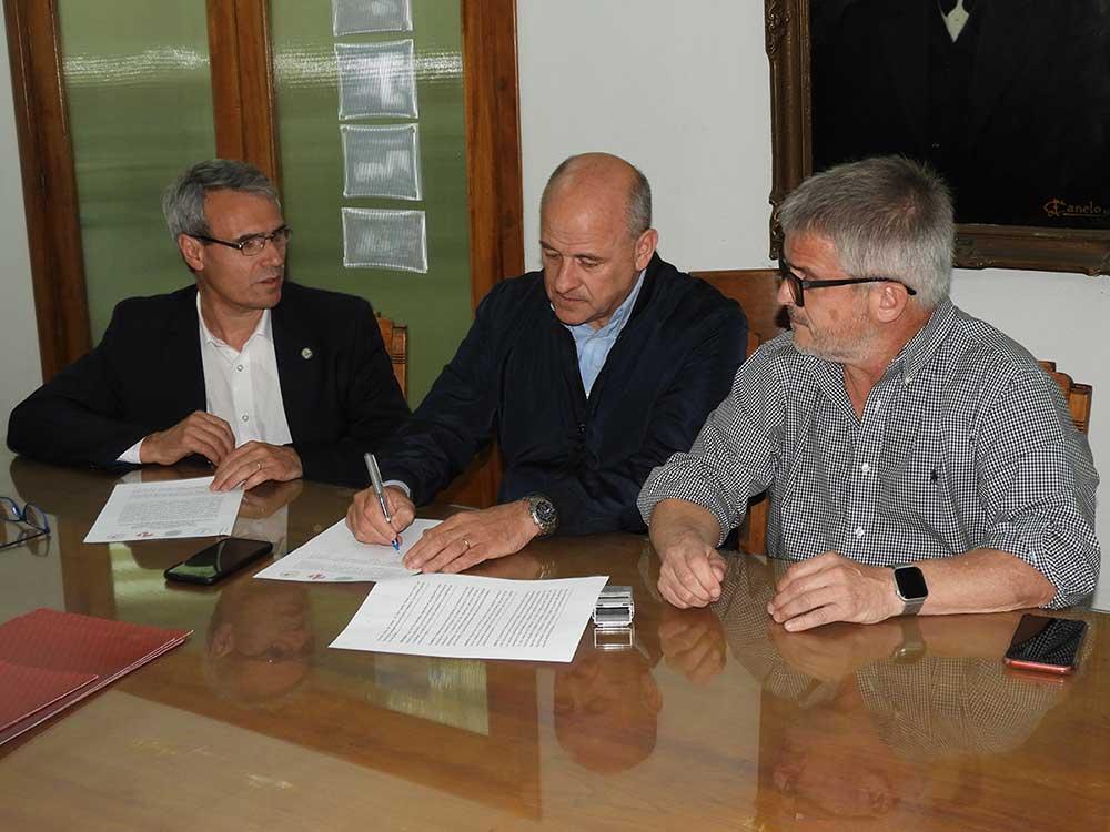 Uset firmó convenio para que la UPSO funcione en la Biblioteca Alberdi
